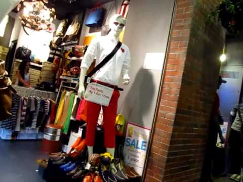 Where to Shop in Bangkok Terminal 21 Women's Boutique Clothes Shoes Purses Accessories Asoke BTS