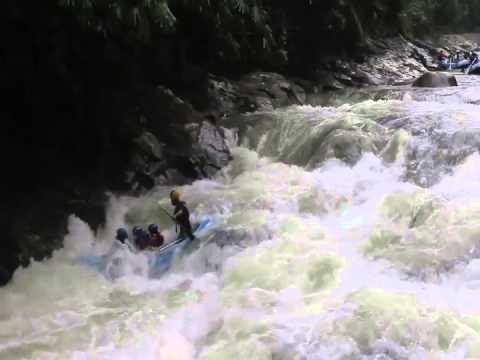 RIVERBUG Perak Kampar River White Water Rafting