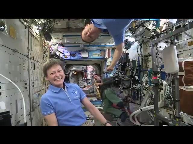 musique à bord de l'ISS (Thomas Pesquet jouant du saxophone)