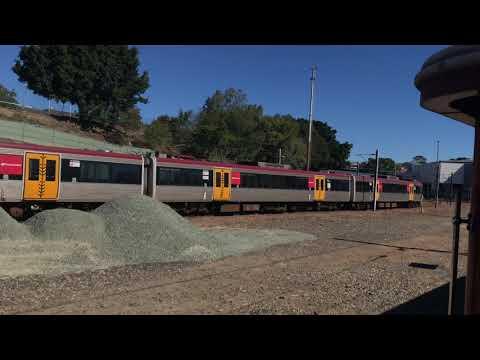 Steam train to Fishermans Island and Pinkenba (Roma Street to Buranda via Exhibition) [4K video]