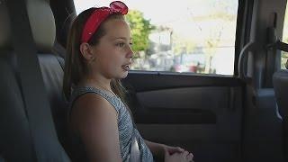 Такси для детей появилось в Калифорнии (новости)(http://ntdtv.ru/ Такси для детей появилось в Калифорнии. Ви Нгуен приехала забрать своего постоянного клиента..., 2016-05-10T15:15:56.000Z)