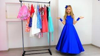 Полина собирается на праздник для принцесс