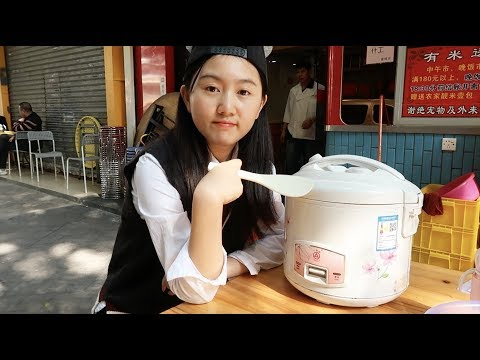 广州霸气乳鸽饭,一人抱一个电饭煲吃!45元一锅,使劲吃也吃不完