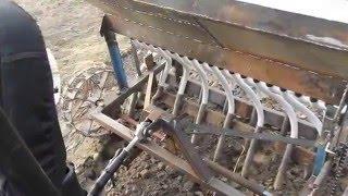 видео Сеялка для минитрактора овощная и зерновая