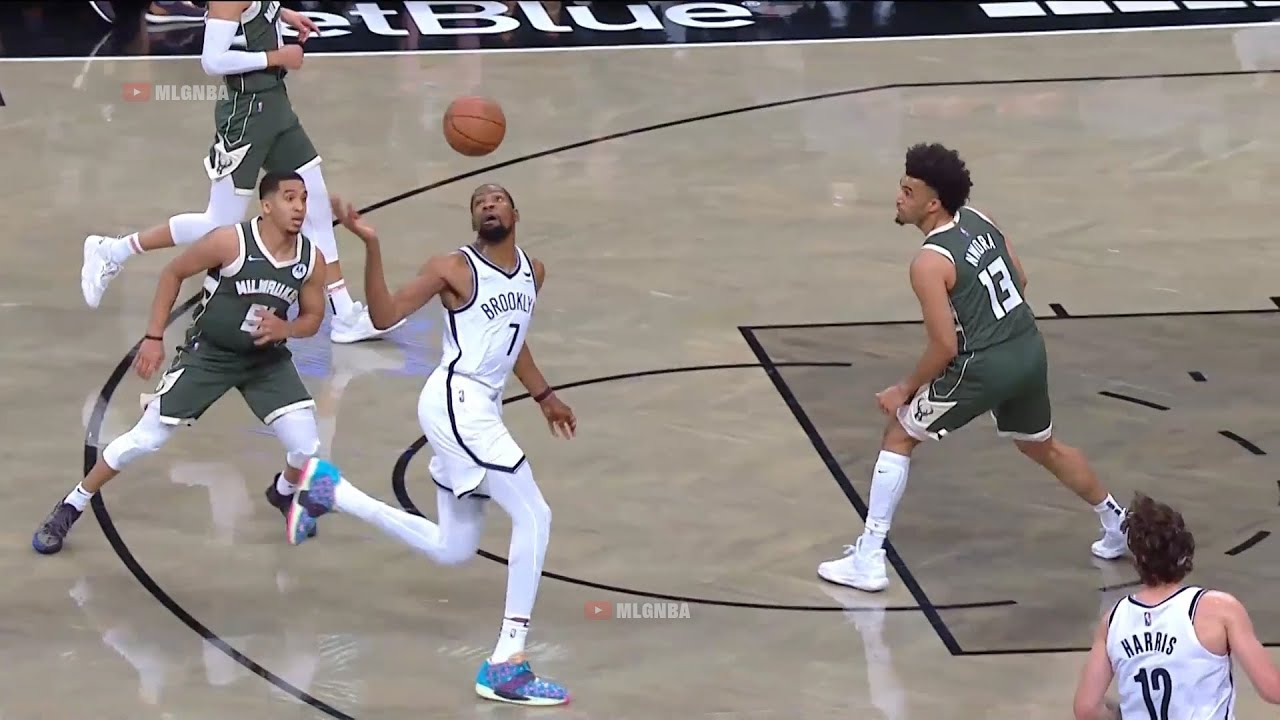 Kevin Durant using his head to get the assist for Joe Harris 😄