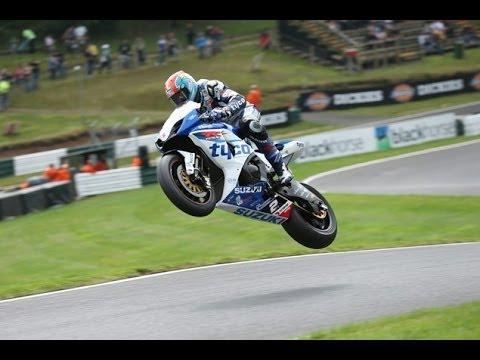 Saut à moto à Cadwell Park jump
