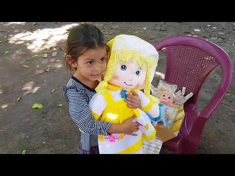 HEIDI PRESENTA A MICKY EN EL SALVADOR START