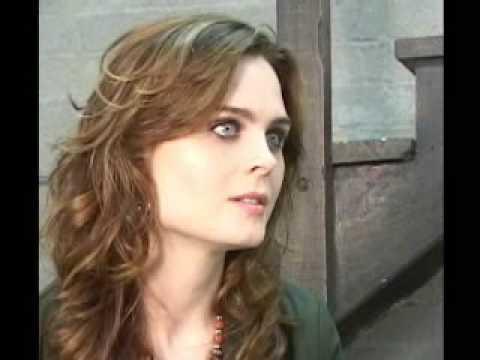 Emily Deschanel Bones interview 1