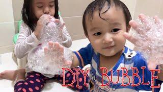 DIY Mainan Anak Murah Meriah dari Kaos Kaki dan Botol | Lets Play Bubble and be Creative Kids