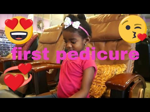 3 year old drea gets her first manicure