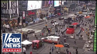 Manhunt ongoing after shooting in Times Square