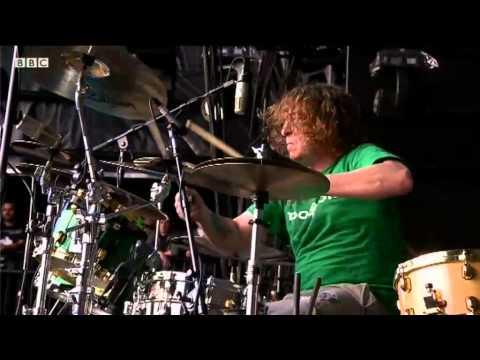 Deftones perform 'Back to School' at Reading Festival 2011, BBC