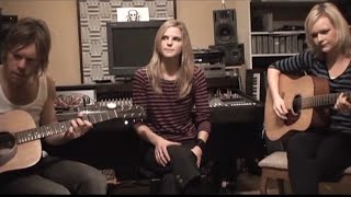 Ana Johnsson - Break Through Time (Live and acoustic)