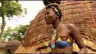 Pretty Zulu Girls show their Wedding Dance.