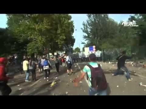 مواجهات عنيفة بعد منع لاجئين من الوصول لحدود المجر