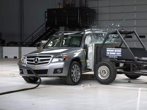 2011 Mercedes-Benz GLK side IIHS crash test