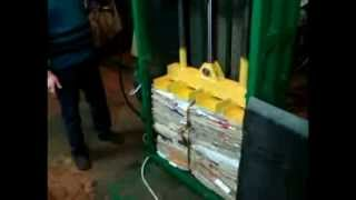 Пресс пакетирования отходов бумаги, ткани, полиэтилена(, 2013-11-28T11:34:17.000Z)