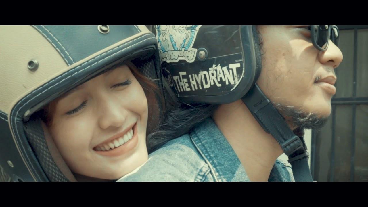 Download The Rain - Ujung Pertemuan (Official Music Video)
