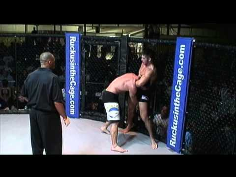 Ricky Bouck vs Mike Wade - Ruckus in the Cage