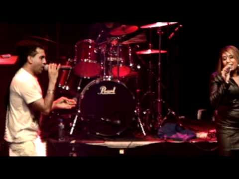 'Yeh Ladka Hai'- LIVE' - Apache Indian ft. Angel ArunA