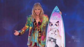 Taylor Swift receives the Icon Award at the Teen Choice Awards 2019 [1080p]
