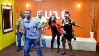 MC Galaxy Teaching Yemi Alade how to Dance Komolopcholop