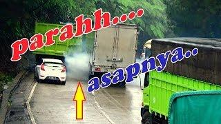 GOKIL DRIVERNYA...!!!  UDAH TAU SLIP MASIH DI PAKSA..