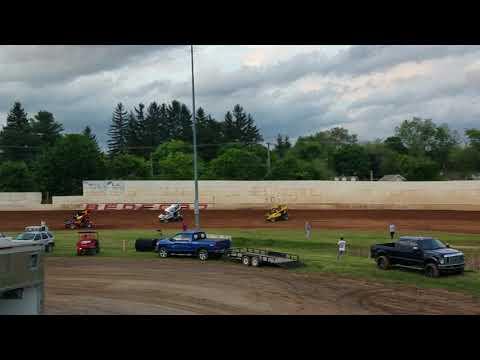Ryan Quackenbush Bedford Speedway URC heats 5.10.19