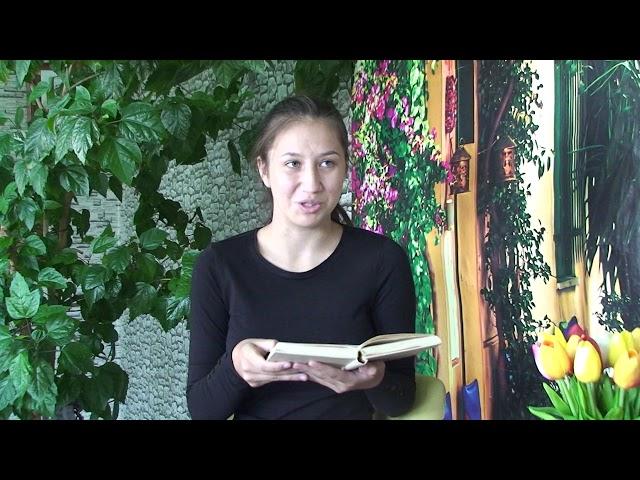 Изображение предпросмотра прочтения – НатальяСмольникова читает произведение «Объясни мне папа ...» А.А.Ахматовой