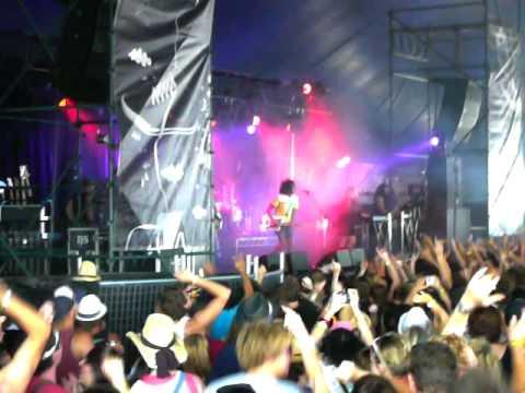 Black Kids - Hurricane Jane @ Gold Coast Big Day Out 2009