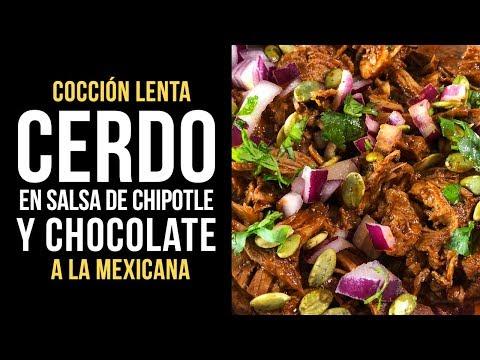 Cerdo en Salsa de Chipotle y Chocolate a la Mexicana