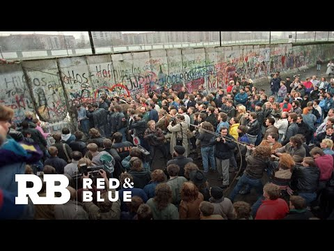 Longtime CBS News journalist Allen Pizzey reflects on the fall of the Berlin Wall