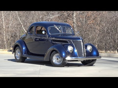 136127 / 1937 Ford Deluxe Business Coupe
