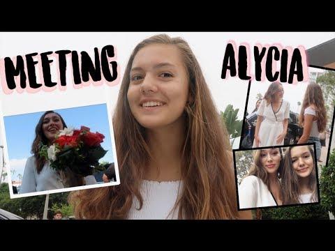 MEETING ALYCIA DEBNAM CAREY  Lyra Leidens