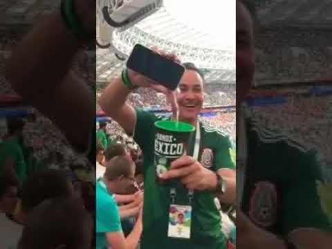 Mexicano ingresa licor camuflado en falso celular a estadio de Rusia