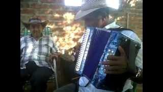 REY VALLENATO 2013  -  WILBER MENDOZA - DANNY OROZCO EN PARRANDA