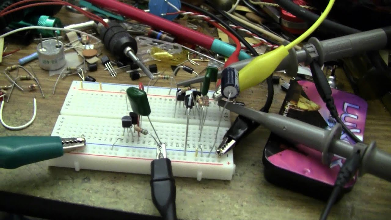 advent calendar of circuits 2011 day 13 cable tracer transmitter advent calendar of circuits 2011 day 13 cable tracer transmitter