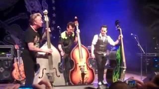 upright bass showdown (wow!) - brian setzer's rockabilly riot