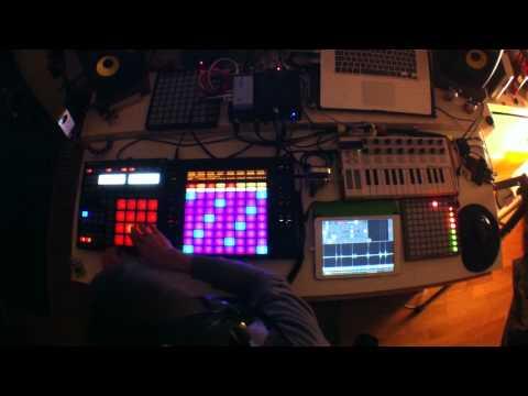 Live improvisation iPad Samplr, Toy Music Box, Ableton Push, Maschine, Leap Motion