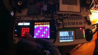 Live Improvisation Ipad Samplr, Toy Music Box, Ableton Push, Maschine, Leap Motion