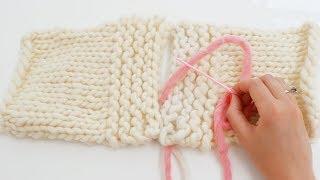 Apprenez à tricoter très facilement grâce aux vidéos WoolKiss ! Ici, vous apprendrez à faire une couture invisible. Cette couture se fait sur le point mousse, qui ...