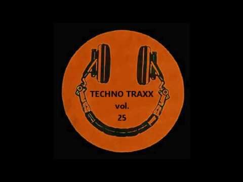 Techno Traxx Vol. 25 - 10 Dj Tiest0 - Flight 643 (Dj Alpha Hardstyle Remix)