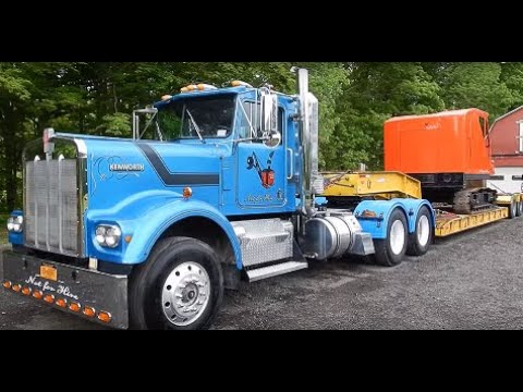 Vintage 1981 Kenworth W900A Tractor Trailer Climbing A Mountain