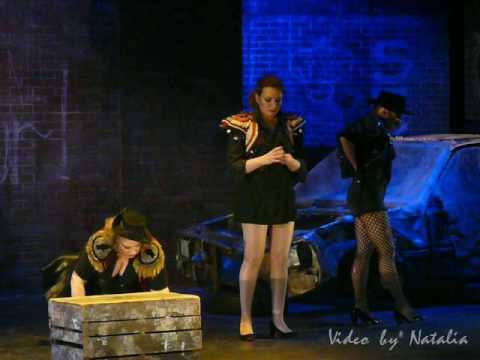 Сцена гадания из оперы кармен