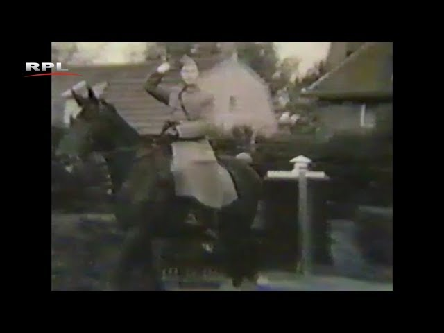 De veldartillerie trekt voorbij (ca 1939) - RPL TV Woerden - 28 januari 2019