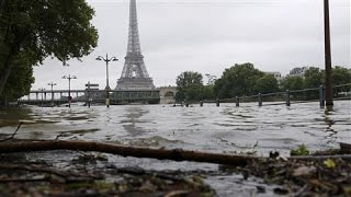 Water Levels Continue to Rise in Flooded Paris