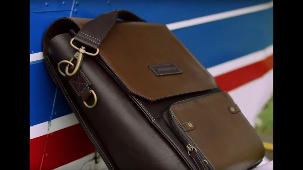 c35dbf6d84 A close look at Lightspeed s DeLaurentis leather flight bag - YouTube