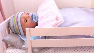 Poupon Baby Born Armoire Vêtements de Bébé