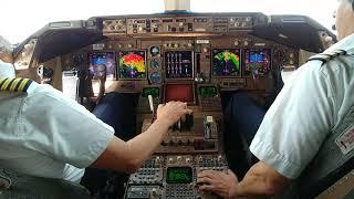 747 jumbo approach and landing in JFK runway 31R