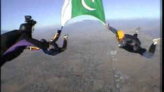 Pakistani Sky Diver from Karachi at Peris Valley, LA Aug 14, 2005